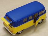 1:32 Kinsmart 1962 Volkswagen Classical Bus, фото №4