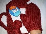Вязаные варежки со шнурком красные рукавички