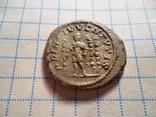 Диадумениан . римский император, соправитель своего отца Макрина.