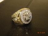 Перстень мужской,с бриллиантами из золота 585 пр.