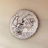 Денарий Serrate Q. Antonius Balbus 83-82 B.C. photo 2