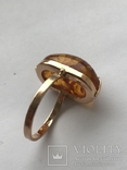 Золотое кольцо с янтарным камнем photo 2