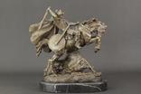 """""""Викинг верхом на коне"""" кабинетная бронзовая скульптура"""