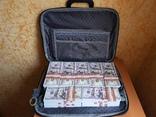 №2, Сумка-дипломат с деньгами 100 $ долларов ( Муляж) Бутафорские деньги, фото №2
