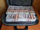 №2, Сумка-дипломат с деньгами 100 $ долларов ( Муляж) Бутафорские деньги, фото №3
