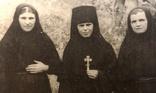 1956 рік.Свято-Троїцька пустинь . Ігуменія.