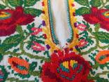 Борщівська вишиванка гладдю з квітковим орнаментом, фото №6