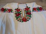 Борщівська вишиванка гладдю з квітковим орнаментом, фото №3
