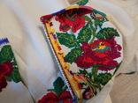 Борщівська вишиванка гладдю з квітковим орнаментом, фото №12