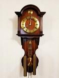 Настенные маятниковые часы AMS с получасовым боем. Механизм AMS W 150A. Германия., фото №2