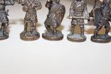 9 скульптур, з посадами, позаду є номери 402-01 та далі. photo 7