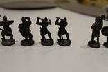 9 скульптур, з посадами, позаду є номери 402-01 та далі. photo 11