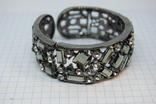 Браслет на жесткой основе. Металл, камни, фото №7