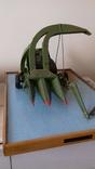 Макет кукурузоуборочного комбайна (320х440х250)