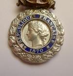 Французская военная медаль 1970 г. в серебре. photo 4