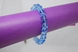Браслет из голубых бусин на резиночке, фото №4