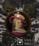 """164. Портретная миниатюра """"Девушка в шляпе"""", живопись на фарфоре, позолота, XIX век photo 2"""