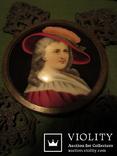 """164. Портретная миниатюра """"Девушка в шляпе"""", живопись на фарфоре, позолота, XIX век photo 5"""