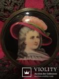 """164. Портретная миниатюра """"Девушка в шляпе"""", живопись на фарфоре, позолота, XIX век photo 7"""