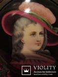 """164. Портретная миниатюра """"Девушка в шляпе"""", живопись на фарфоре, позолота, XIX век photo 8"""