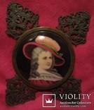 """164. Портретная миниатюра """"Девушка в шляпе"""", живопись на фарфоре, позолота, XIX век photo 12"""