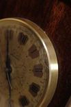 Настольные часы Молния в деревянном корпусе photo 2