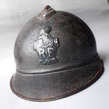 Каска Адриана 1915 года, кокарда французских военных инженеров photo 2