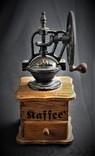 Большая ручная кофемолка. Европа, фото №3