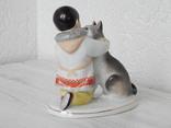 """Фигурка """"Мальчик-якут с собакой"""" ЛФЗ, экспортное клеймо: Made in USSR (целая). фото 9"""