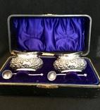 Набор из двух солонок с ложечками, серебро (0,925) Бирмингем, Англия, 1905 года