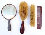 Старинный набор в футляре. Зеркало, расчёска, щётки. Перламутр, имитация панциря черепахи. photo 8