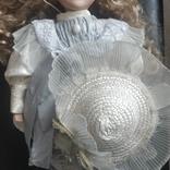 Фарфоровая кукла ,на подставке,Европа, фото №6