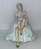 27. Фарфор. Германия. Wallendorf. Валлендорф. Балерина. Девушка на пуфе.