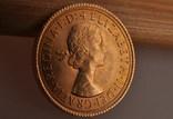 1 фунт (соверен) 1966 года. Великобритания фото 6