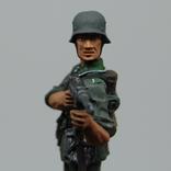 Немецкий солдат стреляет с автомата. Период ВОВ. Олово, раскрас, фото №4