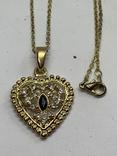 Золотистый кулон в виде сердца на цепочке, фото №2
