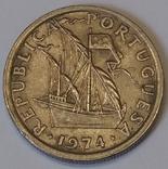 Португалія 2.5 ескудо, 1974