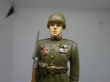 Рядовой гвардейских пехотных частей РККА в парадной форме для строя 1945. Олово, раскрас, фото №3