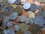 Большая Гора иностранных монет без наших. фото 2