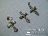 Три маленьких серебряных крестика., фото №3