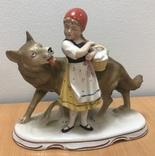 Красная шапочка и волк. Старая Германия. Высота - 18 см, фото №2
