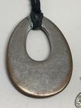 Черный кулон на шнурке от торговой марки NEXT, фото №5