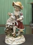 Девочка с ягненком коллекционная статуэтка фарфор клеймо, фото №2