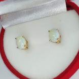 Миниатюрные золотые серьги-гвоздики с натуральными опалами, фото №6