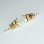 Миниатюрные золотые серьги-гвоздики с натуральными опалами, фото №9