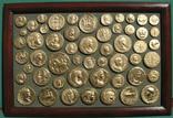 Золотые монеты античности. Копии, без стекла 31х21см., фото №2