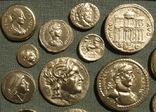 Золотые монеты античности. Копии, без стекла 31х21см., фото №4