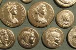 Золотые монеты античности. Копии, без стекла 31х21см., фото №11