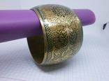 Широкий полый браслет с орнаментом. Латунь, фото №7