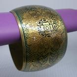 Широкий полый браслет с орнаментом. Латунь, фото №2